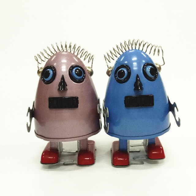New Adult Collection Retro Wind Up Toy Metal Tin Space Egg Alien