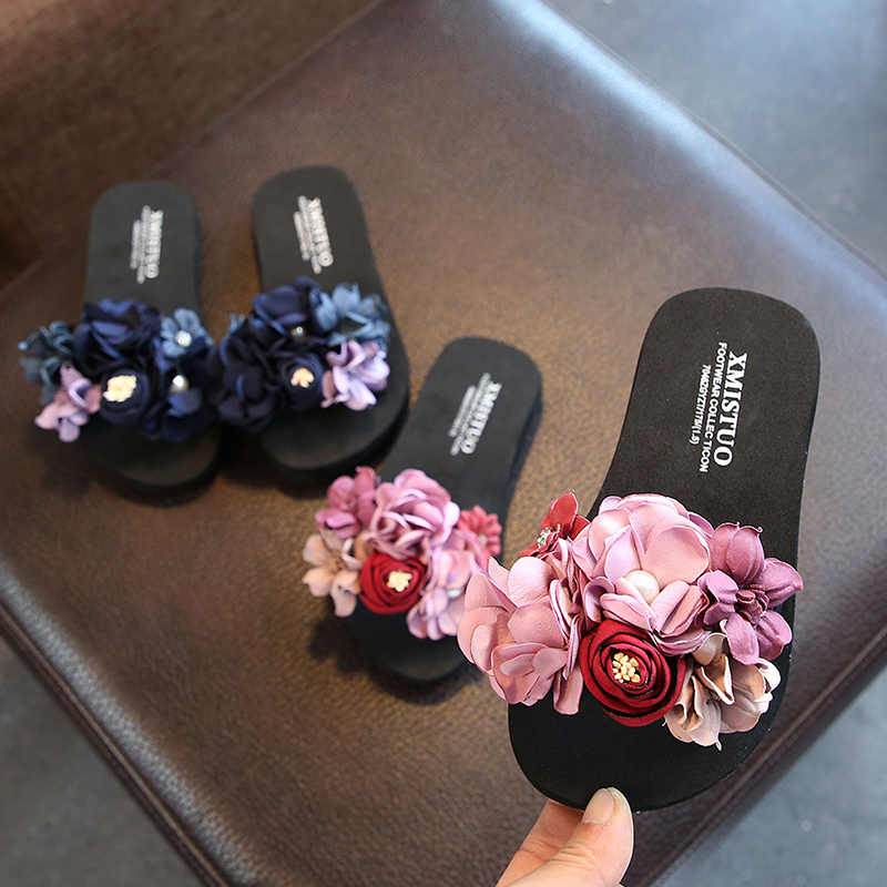 Girls Slippers Summer Shoes Handmade Flowers Outdoor Shoes Parent Child Shoes  Girl Slippers Mommy Shoes Chinela 55865aa3e