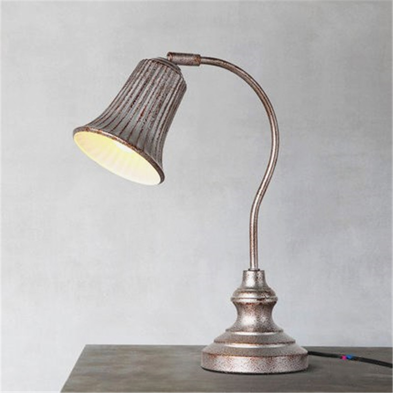 Nordic Distressed Bedside Table Lamp Retro Industrial