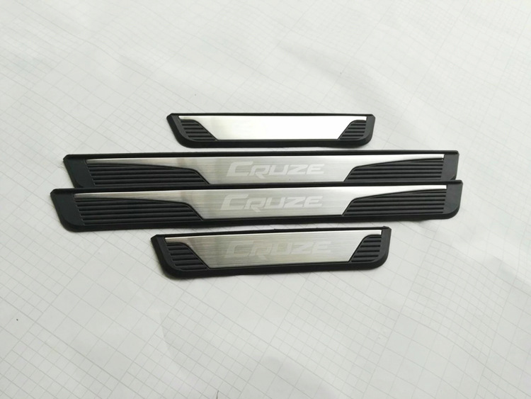 Stainless Steel Original Door Sill Scuff Plates Cover FOR 2015 Chevrolet Cruze External padel Sedan hatchback Car Styling 4pcs 2014 hotsale silicon car key cover for chevrolet cruze 2009 2014 sedan hatchback accessories car key cover case