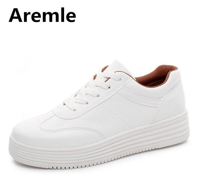 2a25d34328a 2018 Hot Moda Mulher Sapatos Tenis Feminino Mulheres Sapatos Casuais  Plataforma Respirável 3 Cores Das Senhoras