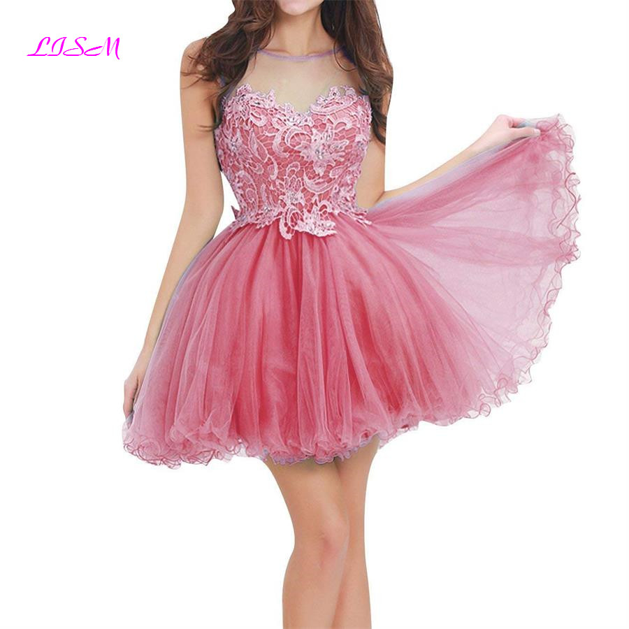 2019 New Mini Short Homecoming   Dresses   Lace Appliqued Illusion Bodices Short Prom Gowns V-Backless Tulle   Cocktail     Dress   Cheap