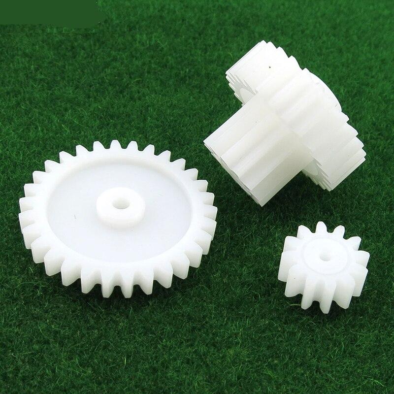 большие пластиковые шестерни