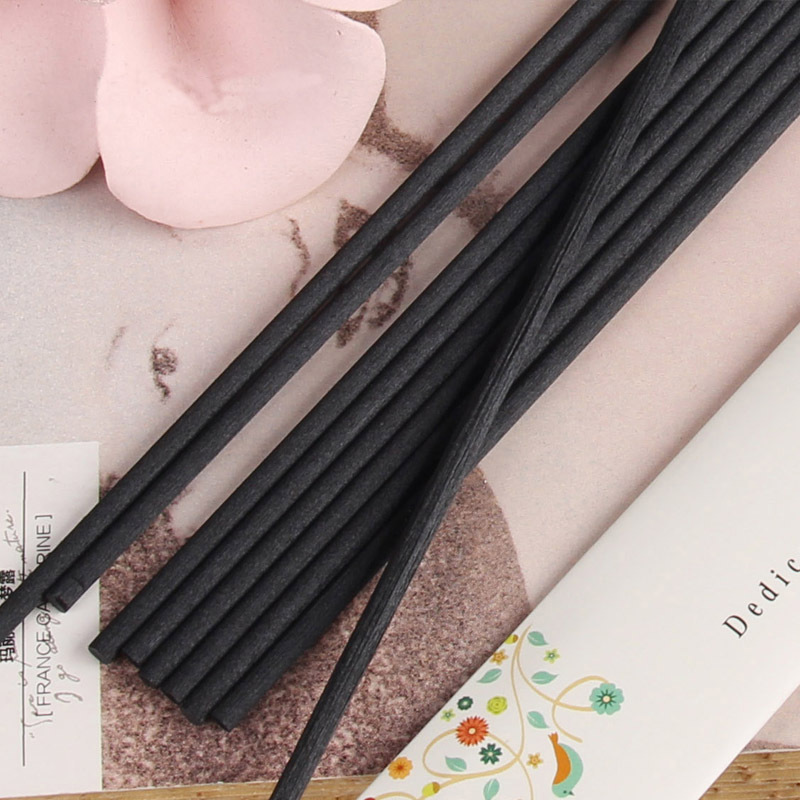 100pcs / lot 22cmx3mm Fiber Black Rattan Sticks Eterisk olje Reed Diffuser Sticks Aromatic Sticks Bedroom Decorate