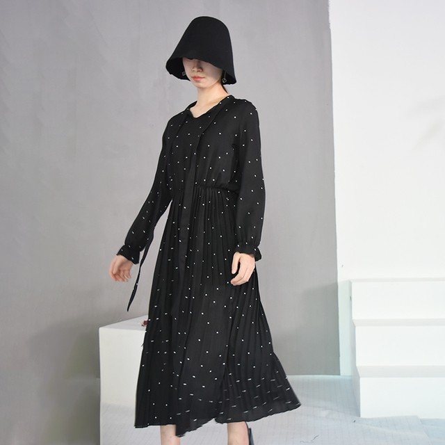 2020 New Spring  Round Neck Long Sleeve Solid Black Chiffon Dot Loose Big Size Dress Women Fashion Tide