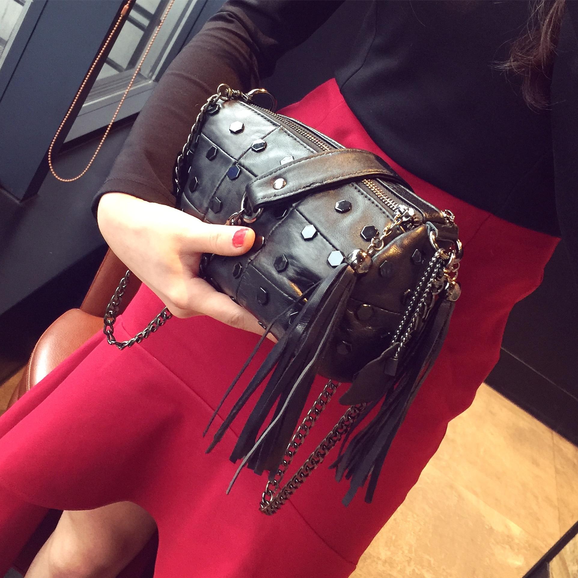 2018 new sheepskin leather fringed bag handbag shoulder bag bag bag Mini chain rivet bag bag
