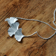 New Fashion Jewelry Fresh Nature 925 Silver Necklaces Ginkgo Leaves Handmade Creative Female Pendant Necklaces H317
