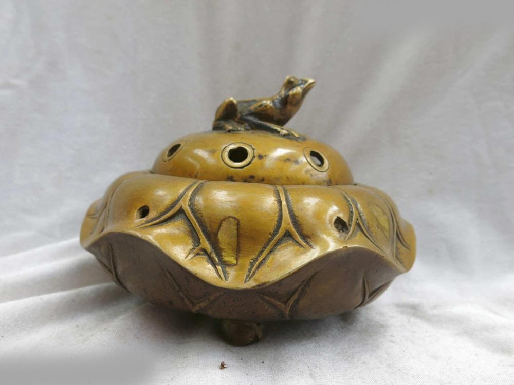 DS Fine Brass Censer China Carved Copper Frog Lotus Leaf Incense Burner Statue