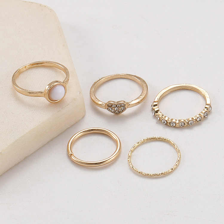 แนวโน้ม Inlay Imitation Pearl แหวนน้ำ Zircon ชุดแหวนทอง 5 ชิ้นอเนกประสงค์ผู้หญิงเครื่องประดับ