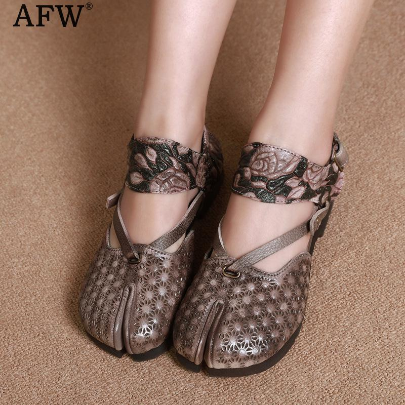 AFW Women Genuine Leather Sandals Embroidery Low Heel Summer Shoes Retro Leather Sandals Handmade Women Slip On Sandals 2018 tyawkiho genuine leather women sandals low heel white casual leather summer shoes 2018 handmade women leather sandal soft bottom
