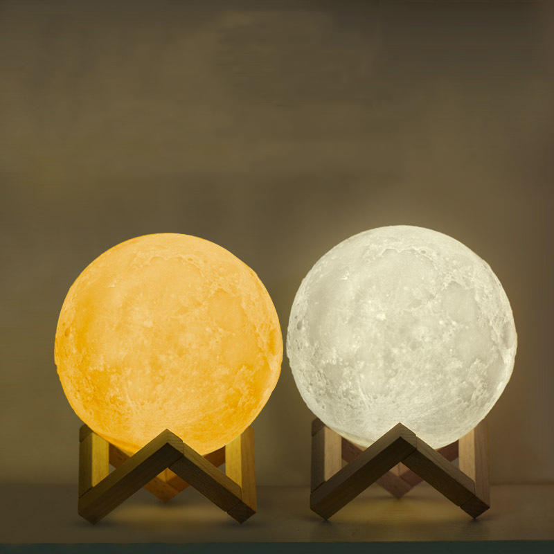 Iguardor 3D Moon Light LED USB Recharge Luna Lamp Night Light Touch Control Dual Color with Wood Holder Home Decor Gift yam 8 10 12 15 18 20cm romantic gift 3d magical led luna night light moon lamp desk usb charging touch control home decor