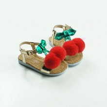 1T-5T Lovely Cherry Girls Sandals Upscale Microfiber Barn Beach Shoes Party Sandals Pom Pom Baby Moccasins Gratis frakt