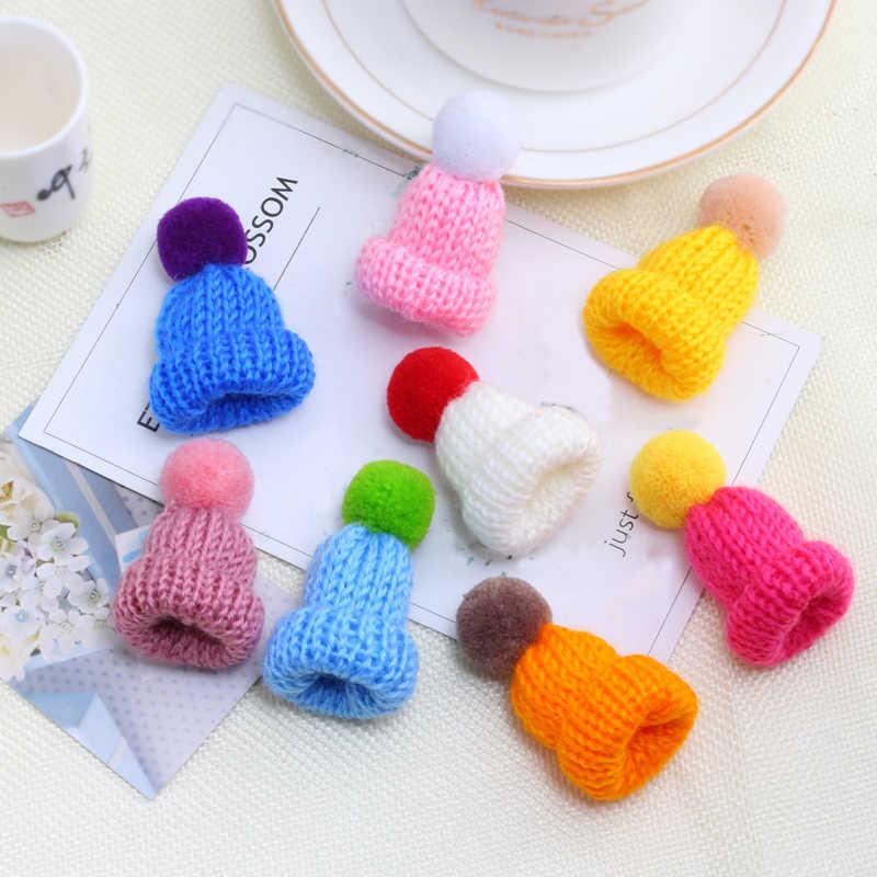 24 colori Carino Mini Sacchetto di Vestiti Cappello di Lana Spilla Spilli Per Monili Delle Donne Accessori della Bambola Per I Bambini Regalo A Sorpresa Un Sacco commercio all'ingrosso