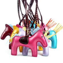 2019 New Famous Luxury Handmade PU Leather Horse Keychain Animal Key Chain Women Bag Charm Pendant Accessories Fashion Jewelry latest fashion genuine leather rodeo pony charm for women s bag new horse bag charm 2 side bicolor pm 13 10 cheap purse charm