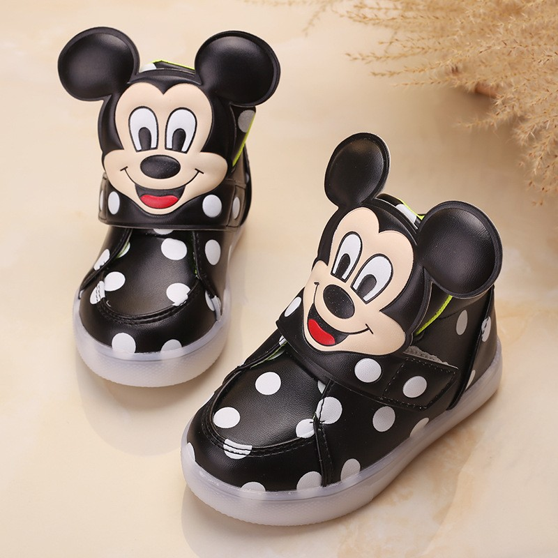 High quality LED classic girl boys sneakers glitter lighting children  casual shoes Patch Hook Loop fashion baby kids sneakers-in Sneakers from  Mother   Kids ... 0509602b7ca2