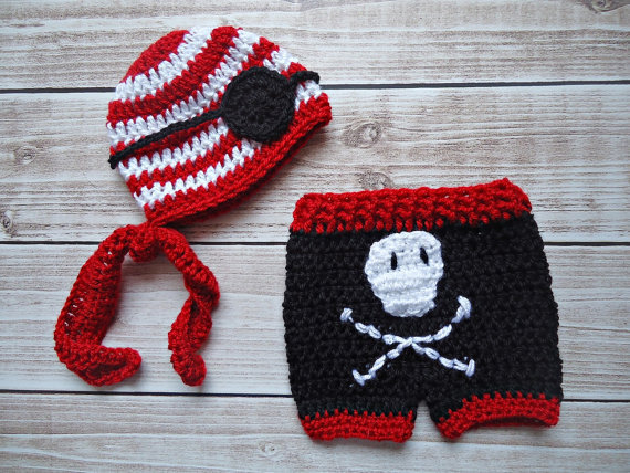 91501ce87 100% cotton newborn Beanies ,crochet Baby Pirate hat with eye patch, Skull  Shorts baby sets, baby Hat ,Newborn Photography Prop-in Clothing Sets from  ...