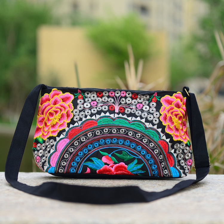 Women Handbag National Ethnic Embroidery Bags New Women's One Shoudler Bag Vintage Double Side Embroidered Messenger Small Bags 5