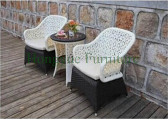 Outdoor bistro set furniture,garden rattan table chair sets modern design white holiday leisure sofa chair rattan sea beach swing pool gardern furniture wicket 1 table 4 chair garden set