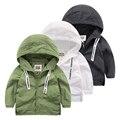 Jaqueta Com Capuz bebê 2017 nova primavera menino jaqueta corta-vento casaco cor de lazer das crianças