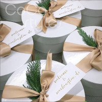 Cocostyles bespoke blank elegant round hardcover flower box with ribbon and tag for lawn wedding gift packing box