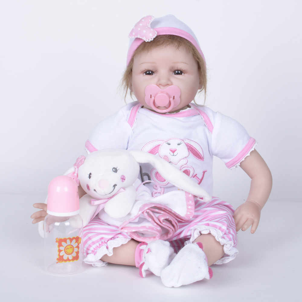 22 inches Cute Silicone Reborn Baby Doll Lifelike Alive Girl Doll Realistic Doll With Soft Cloth Body For New Year Xmas Gift new year merry christmas gift 18 american girl doll with clothes doll reborn silicone reborn baby doll our generation doll