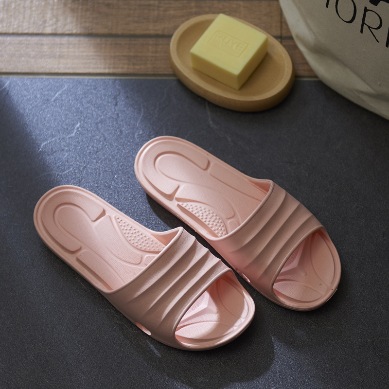 2017 new Couple bathroom slippers summer indoor non-slip bath home slippers thick bottom leak soft bottom sandals summer 2017 bathroom slippers female summer home home indoor anti slip leaky bath plastic couple cool slippers male autumn summer