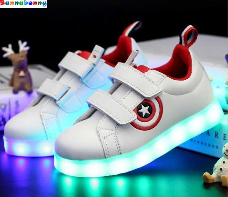 US $18.68 |Kapitan ameryka dzieci buty lekkie trampki podświetlane LED chłopcy dziewczęta USB ładowanie sportowe buty w stylu casual dla dzieci