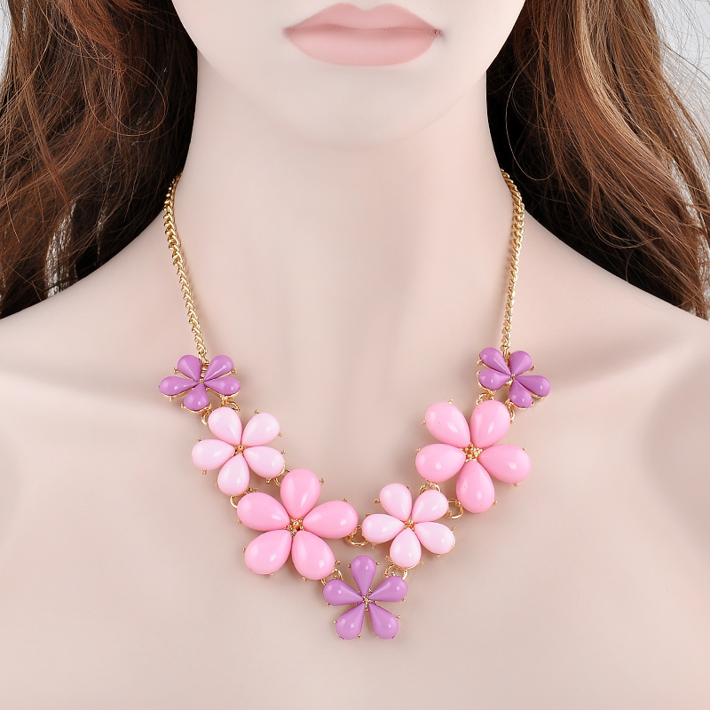 European Style Noble and elegant Zircon Pink Flower Necklaces & Pendants Link Accessories Choker Necklace Women Jewelry Collar