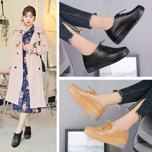 Image 5 - STQ 2020 Winter Women Platform Sneakers Shoes Ladies Genuine Leather Lace Up Flats Women Plush Fur Platform Flats Shoes 1278