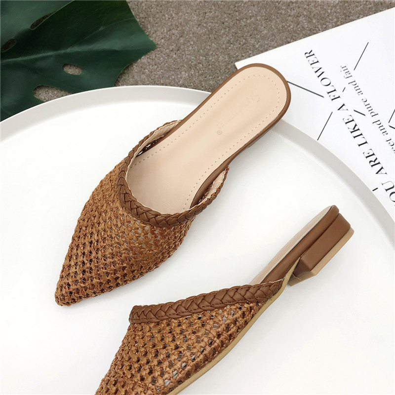 NIUFUNI Women  Pointed Toe Low Heel Slide Sandals Summer Slippers Cane Woven Beach Shoes Woman Mule Flat Sandals