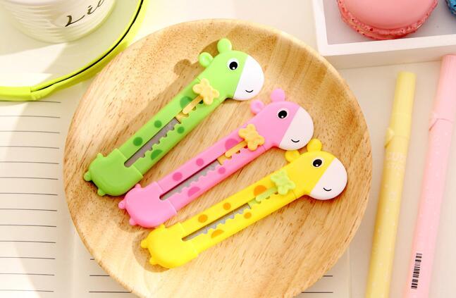 3pcs / Lot , Giraffe Mini Manual Cutter For Kids , Cute Envelope Opener Letter Cutter , Mini Paper Cutter Knife