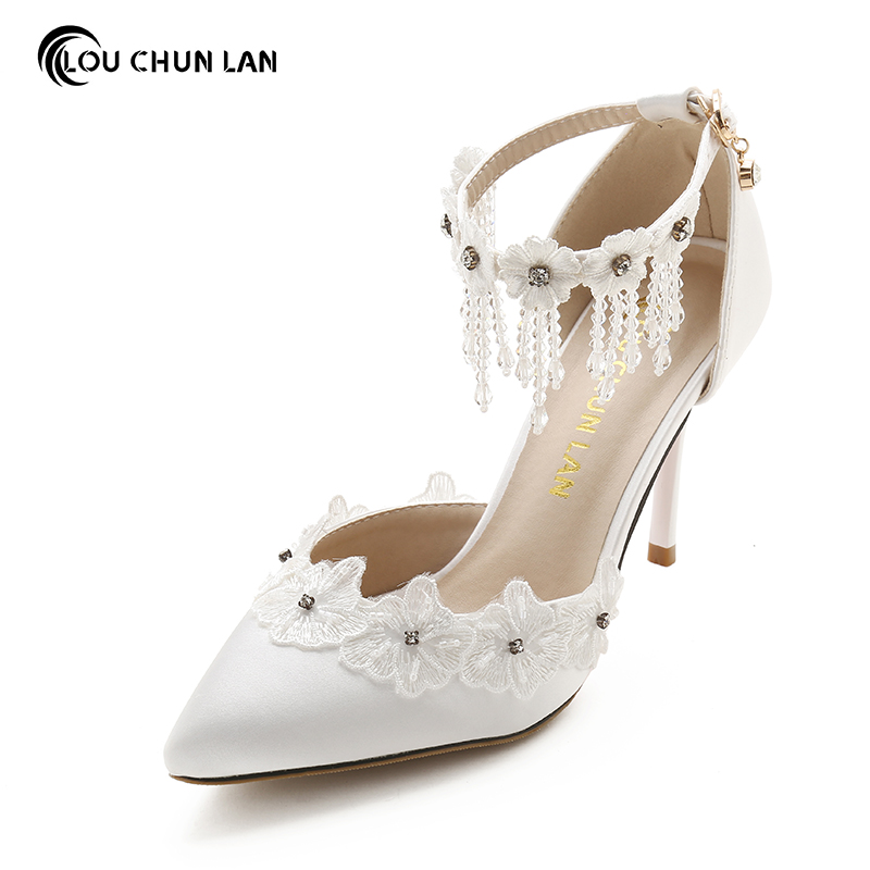 Wome sandals Wedding Shoes White Lace Flower Rhinestone Crystal wristband bridal Shoes pointed Toe Thin Heels satin Female shoe купить