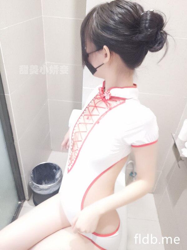 网红女神@沈娇娇(甜美小娇妾)-白色盘扣泳衣[41P/4V/311MB]