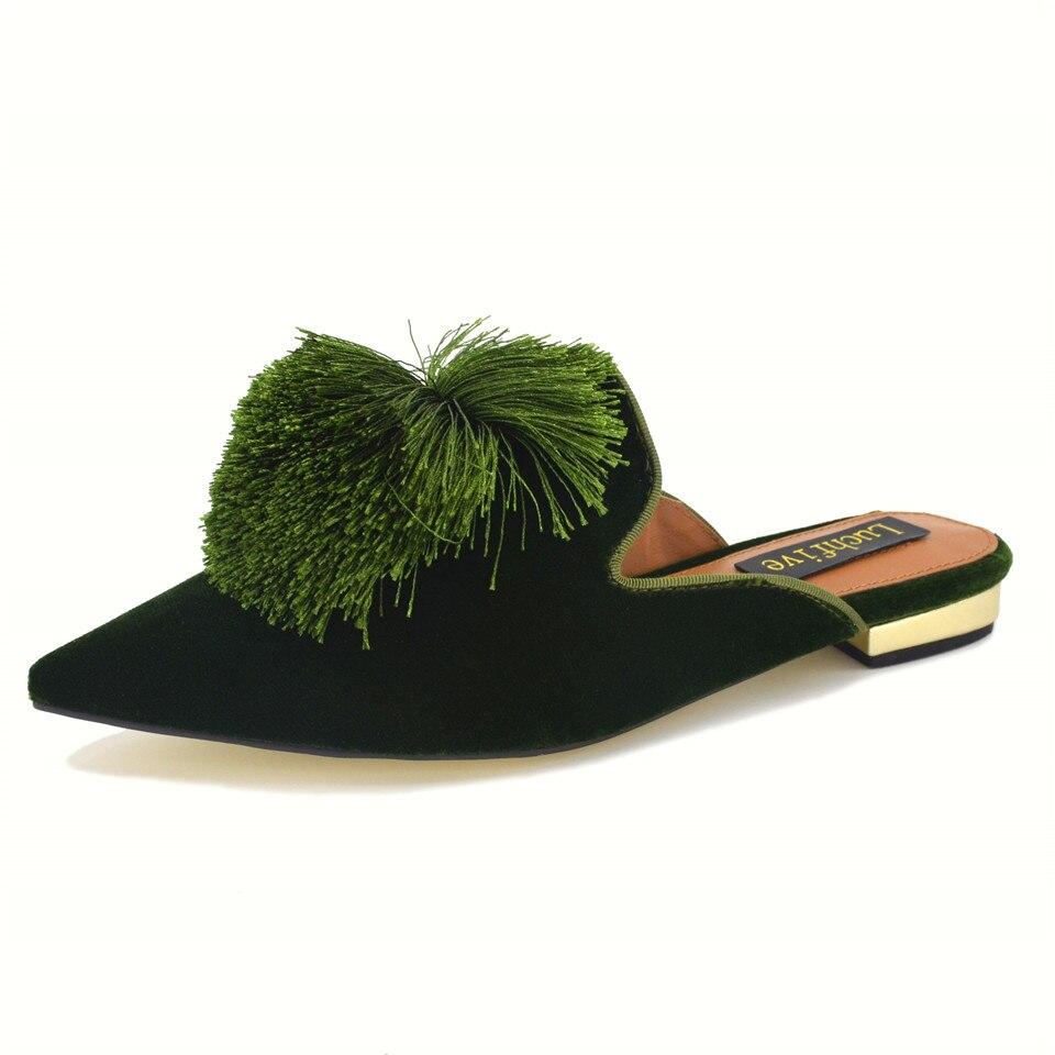 800704957 Tampa Do Dedo Do Pé Apontado único Pompons Chinelos Planas Mulheres De  Veludo Outwear Hairball Fringe Borlas Mulas Preguiçoso Sapatos de Mulher em  Chinelos ...