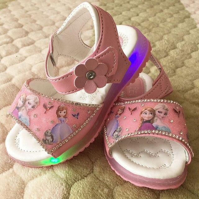 Девушки розовые сандалии 2017 новый Мультфильм снежная королева Эльза Анна обувь Свет Дышащие Летние дети принцесса детская одежда обувь