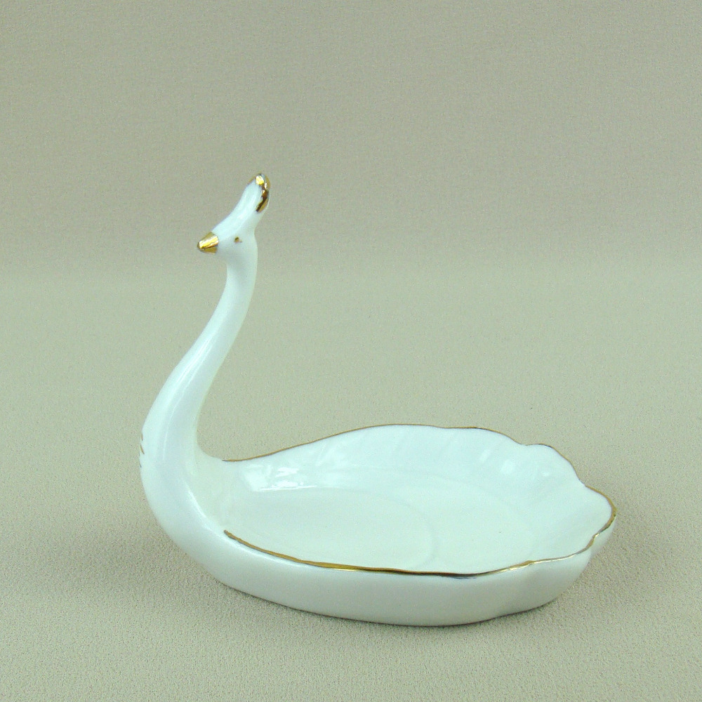 Arts and crafts jewels - Porcelain Peacock Miniature Necklace Dish Decorative Ceramics Peahen Jewels Organizer Art And Craft Ornament Utensil Accessories