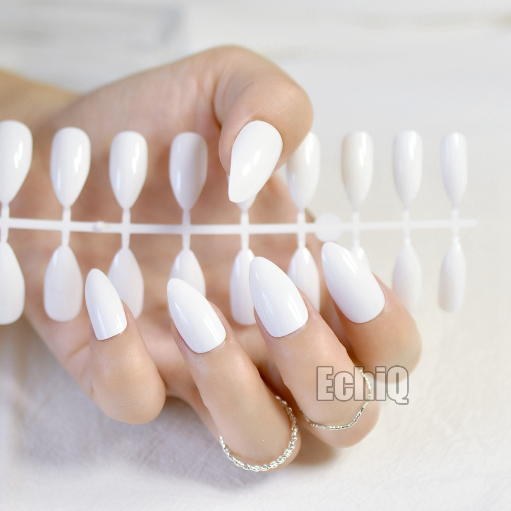 ᗔ24pcs/kit Stiletto Shiny Fake Nails White Pointed Fake Nails ...