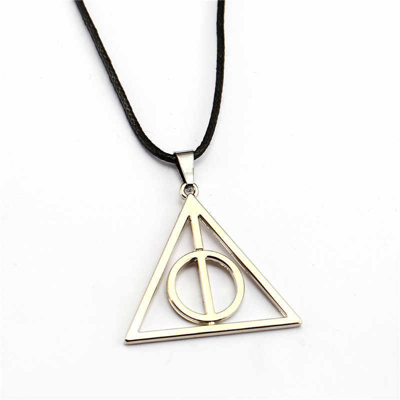HP Luna and the Deathly Hallows Keychain Necklace Toys Pendants Action Figure Cosplay Toys