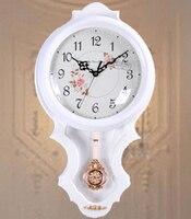 Новый Европейский Простой творчески настенные часы приглушен Vintage Белый твердой древесины коричневый закаленное стекло украшения дома нас...