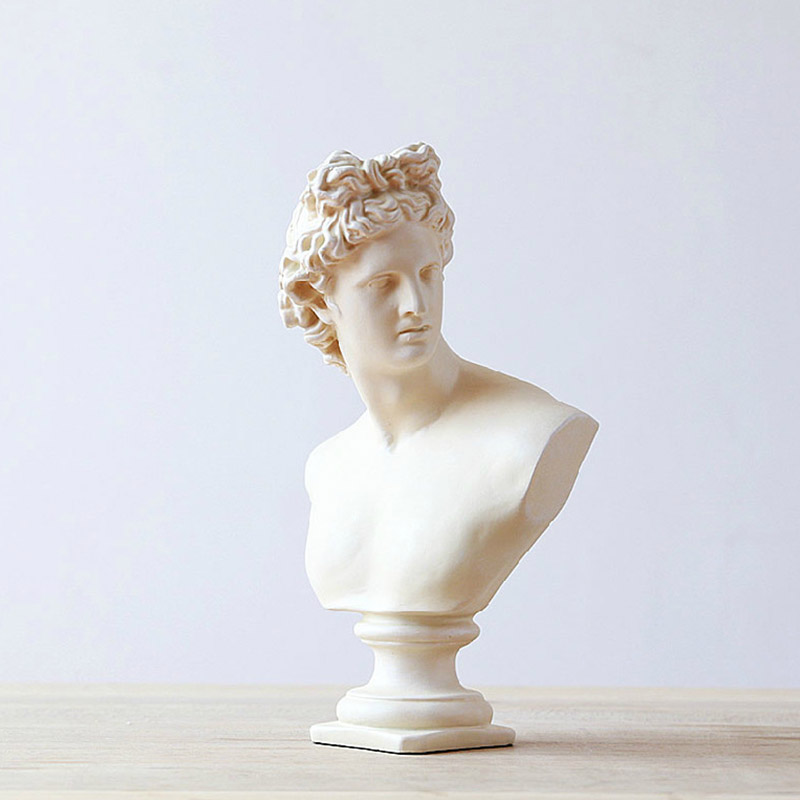 European Retro Plaster Goddess Statues For Decor Sculpture Creativity Resin Crafts Living Room Porch Home Decoration Accessories