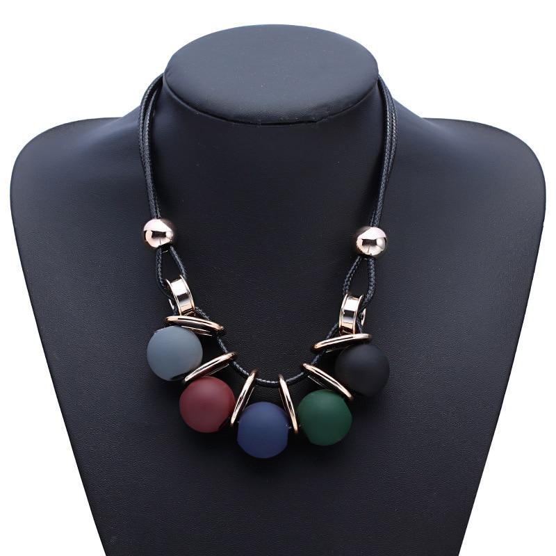 Nuovi cerchi palla perla simulata pendente della collana lunga donna catena nera gioelleria raffinata e alla moda del regalo todo