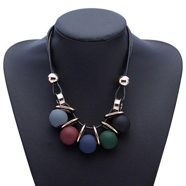 Nuovi cerchi palla perla simulata pendente della collana lunga donna catena nera gioelleria raffinata e alla moda del regalo all