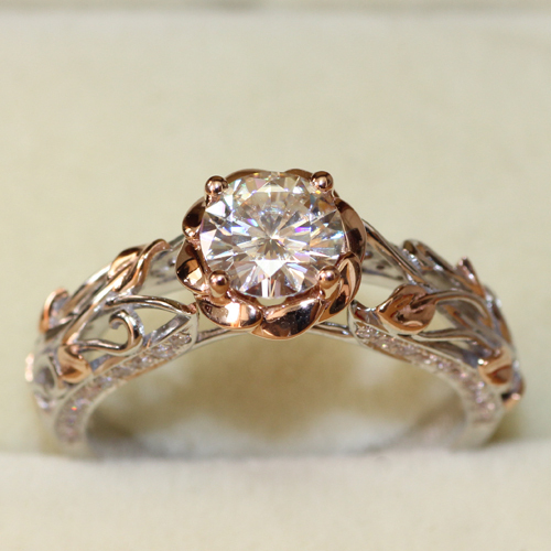 Queen Brilliance 1 Carat ct High End G-H Color Engagement Wedding Moissanite Diamond Ring Solid 14k 585 Two Tone Gold For Women