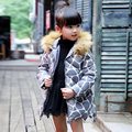 Bebê Meninas Parkas Jaqueta 2017 Novas Crianças de Moda Outerwear Casaco Com Capuz Crianças Jaqueta com Gola De Pele Casaco Longo Para Baixo