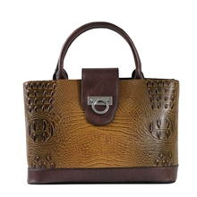 Купить с кэшбэком New 2019 Fashion Crocodile Pattern Leather Women handbags\bag Designer ladies' Tote Bags\Shoulder Bags Messenger bag 7909