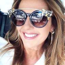 Fashion Cat Eye Sunglasses Women New Diamonds Decorative Rhinestone Brand Designer Glasses Women 2017 Lunette De Soleil Femme