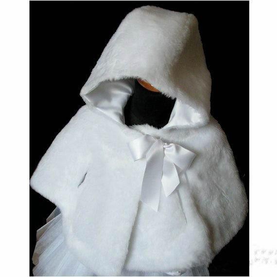цена на White/Ivory Warm Girls Cape Wedding Cloaks Faux Fur Jacket For Winter Kid Flower Girl Shrug Outerwear Coats