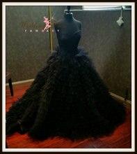 Extravagant Tulle Black Wedding Dress Sweetheart Neckline Sweep Train Vestido De Noiva Ruffles Tiered Custom Gothic Bridal Dress