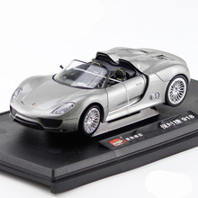 цена на 1:24 Diecast Alloy Sports Car Model Toys For Porsche 918 With Steering Wheel Control Front Wheel Steering Toy For Children Gift