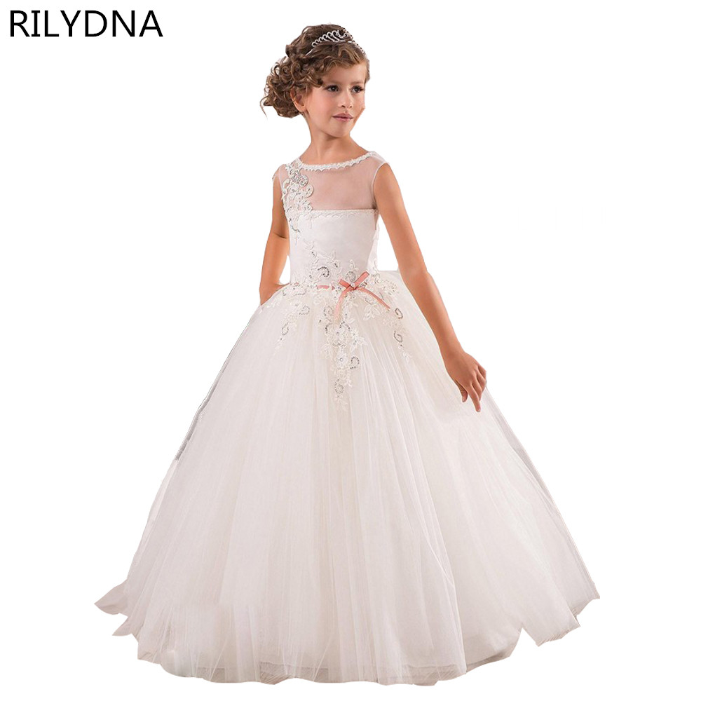 все цены на Flower Girl Dresses Hole Ball Gown White Lace Sleeveless O Neck Long Wedding Pageant First Communion Dresses for Little Girls